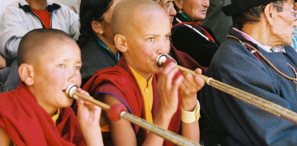 Little-monk-with-trumpet